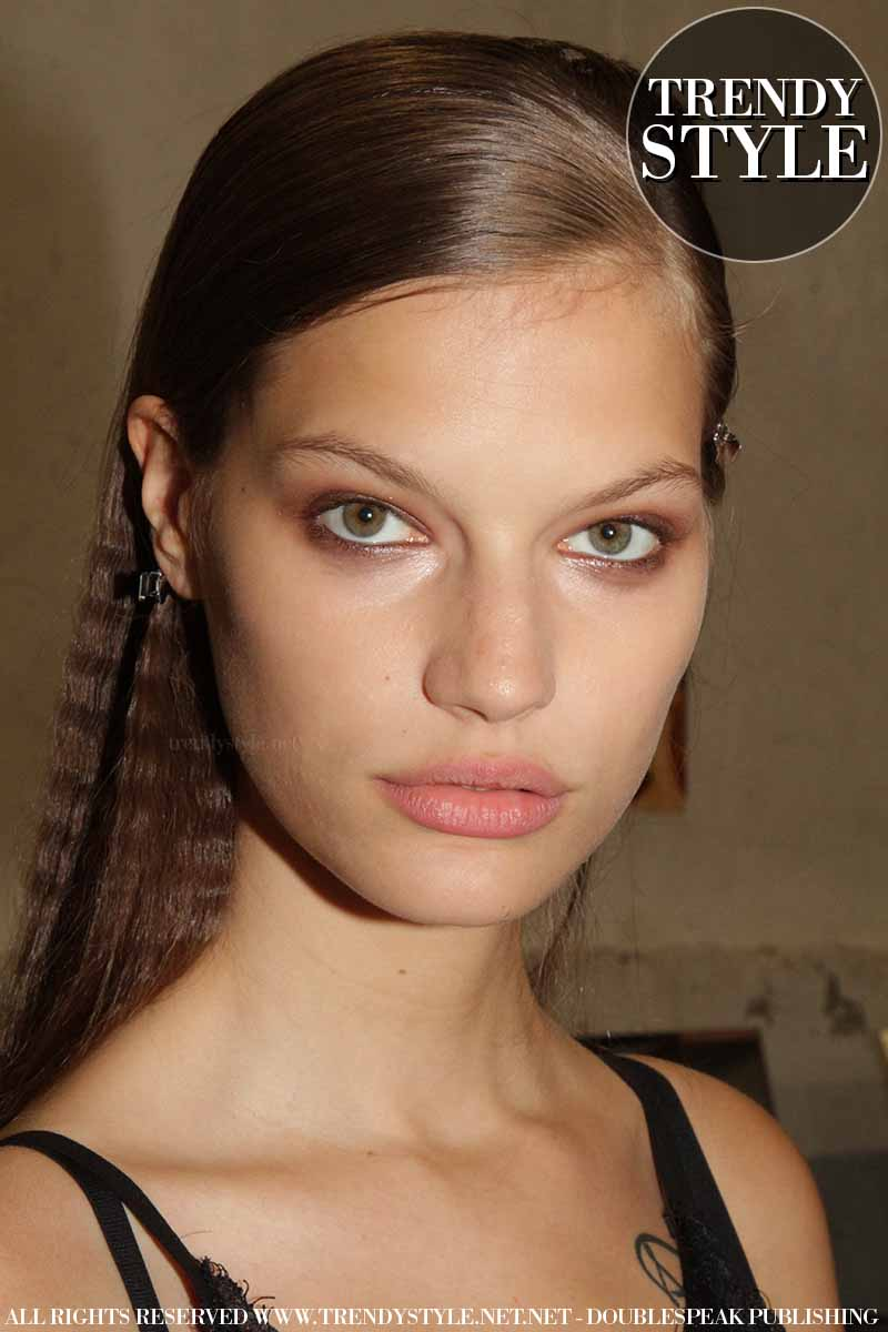 Backstage Dsquared2 Summer 2019 Show. Makeup trends summer 2019 - Photo Charlotte Mesman