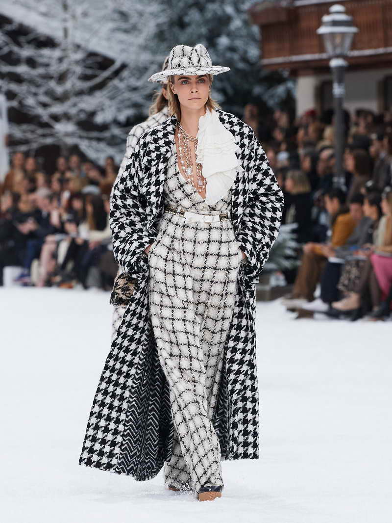 CHANEL Fall Winter 2019/20 Ready-To-Wear Collection