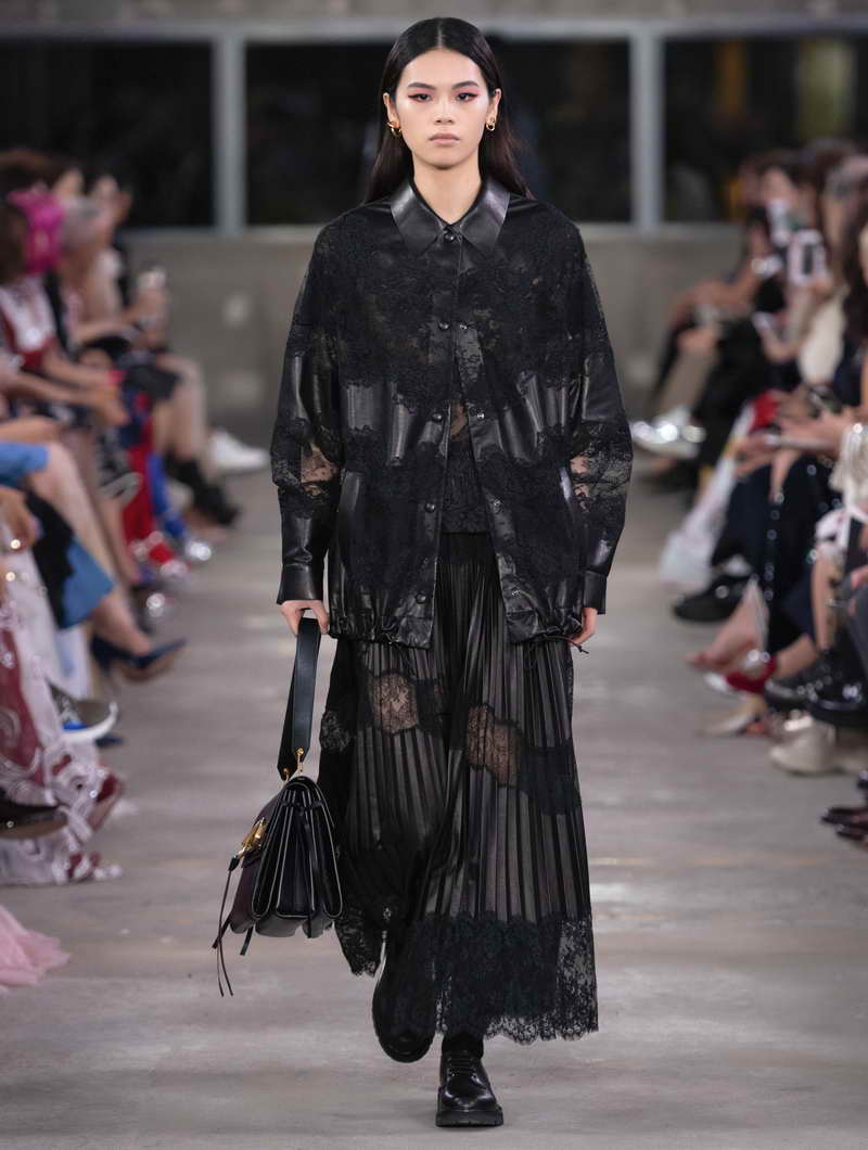 VALENTINO PRE-FALL 19 WOMEN'S COLLECTION