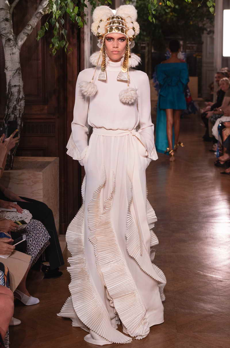 VALENTINO FW19 Haute Couture Collection