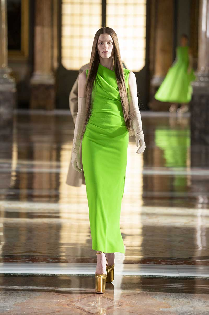 VALENTINO HAUTE COUTURE SPRING/SUMMER 2021 COLLECTION