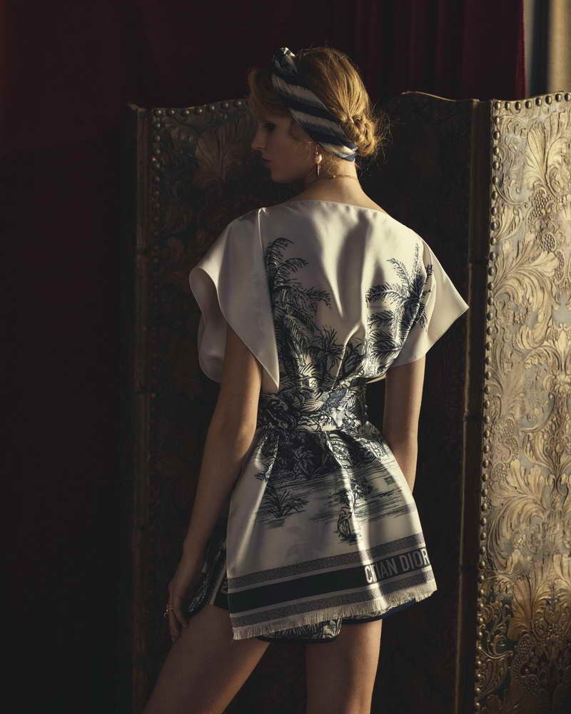 DIOR PRESENTS CREATIONS ADORNED WITH PALM TREES
