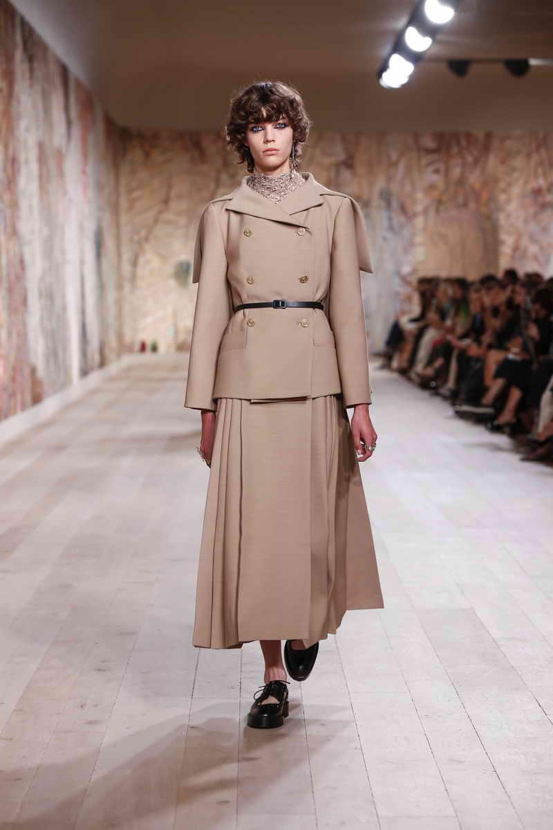 Christian Dior Haute Couture Autumn-Winter 2021-2022 Collection
