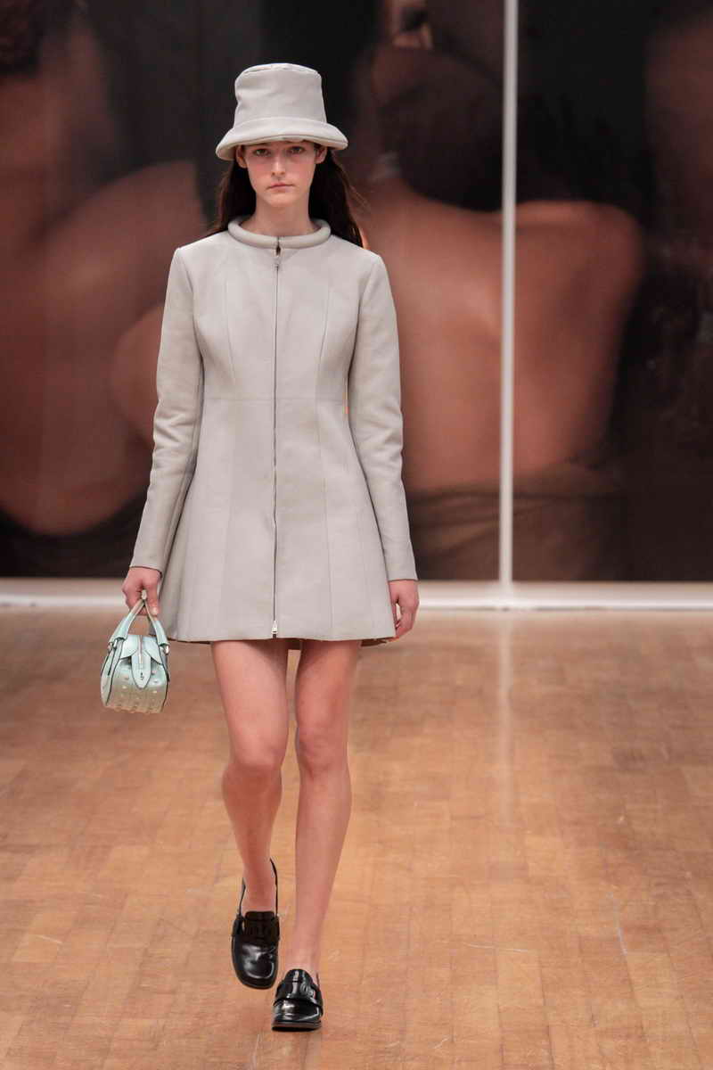 Tod's Women's Collection Spring - Summer 2022