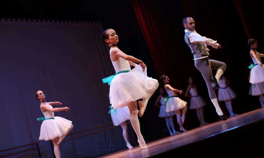 Devi Vanhon - Central School of Ballet Phnom Penh