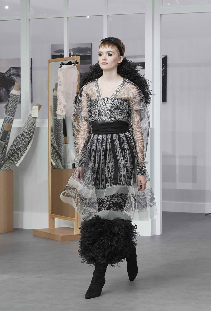 ea879649e02dcc CHANEL Fall-Winter 2016/17 Haute Couture Collection - TRENDYSTYLE ...