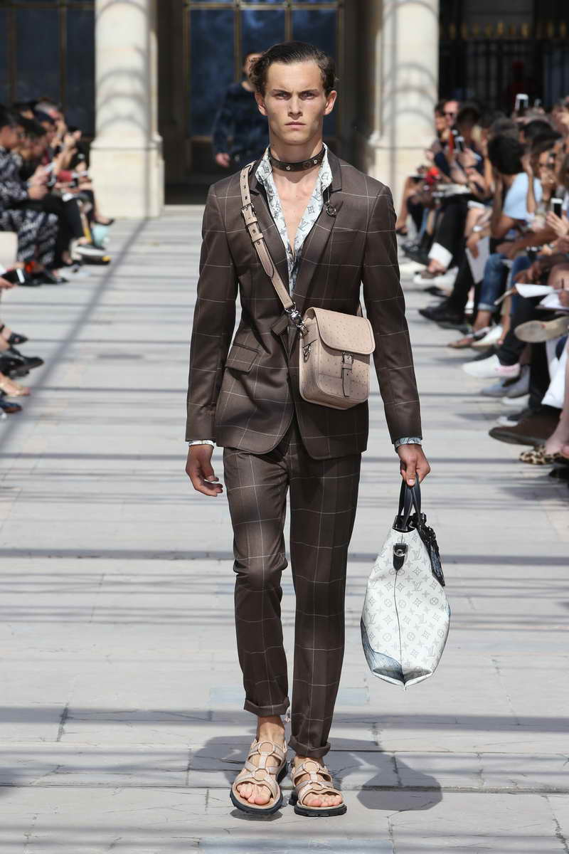 LOUIS VUITTON Summer 2017 Collection © Louis Vuitton Malletier – All rights reserved