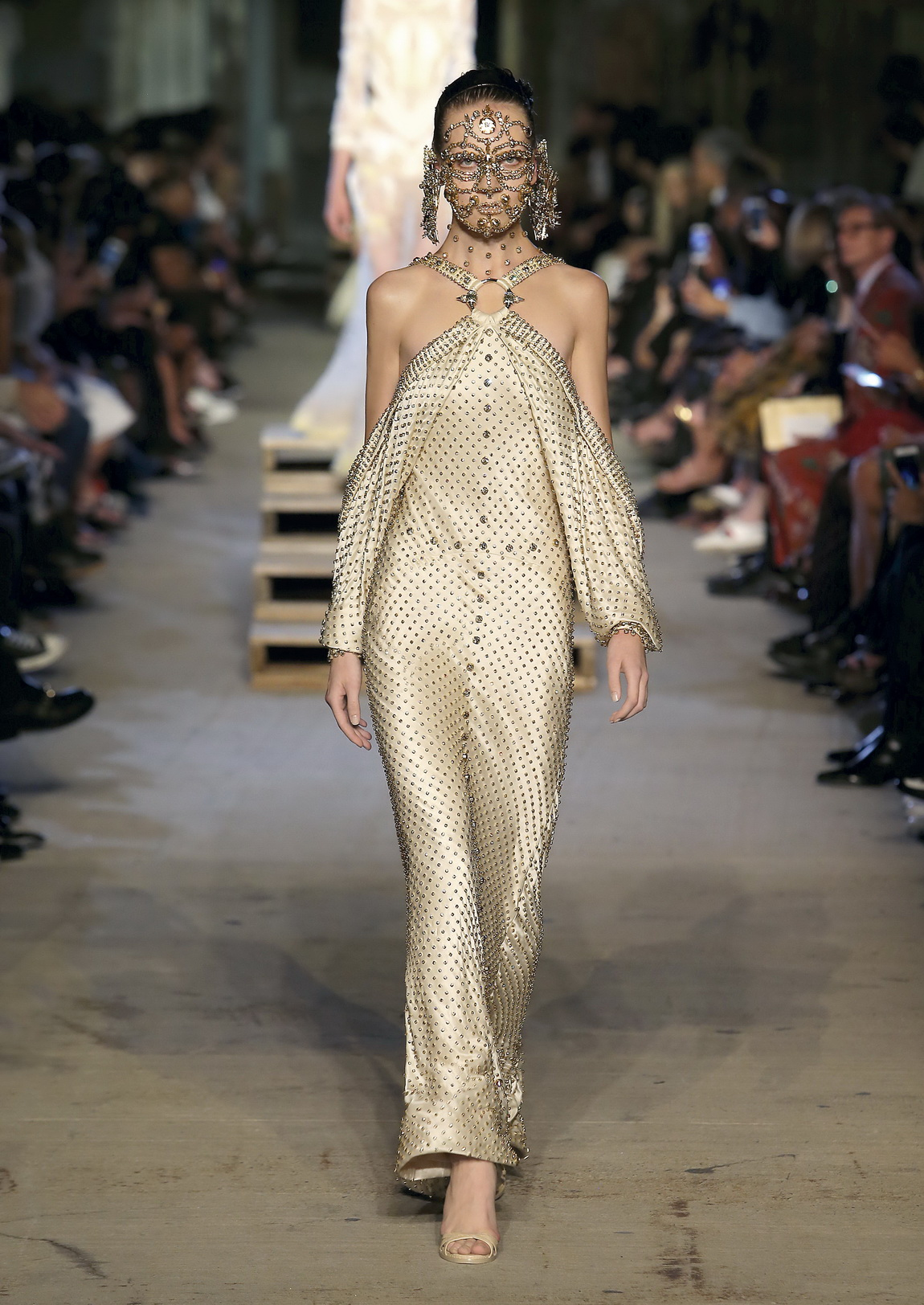 GIVENCHY BY RICCARDO TISCI SPRING SUMMER 2016 COLLECTION IN NEW-YORK CITY