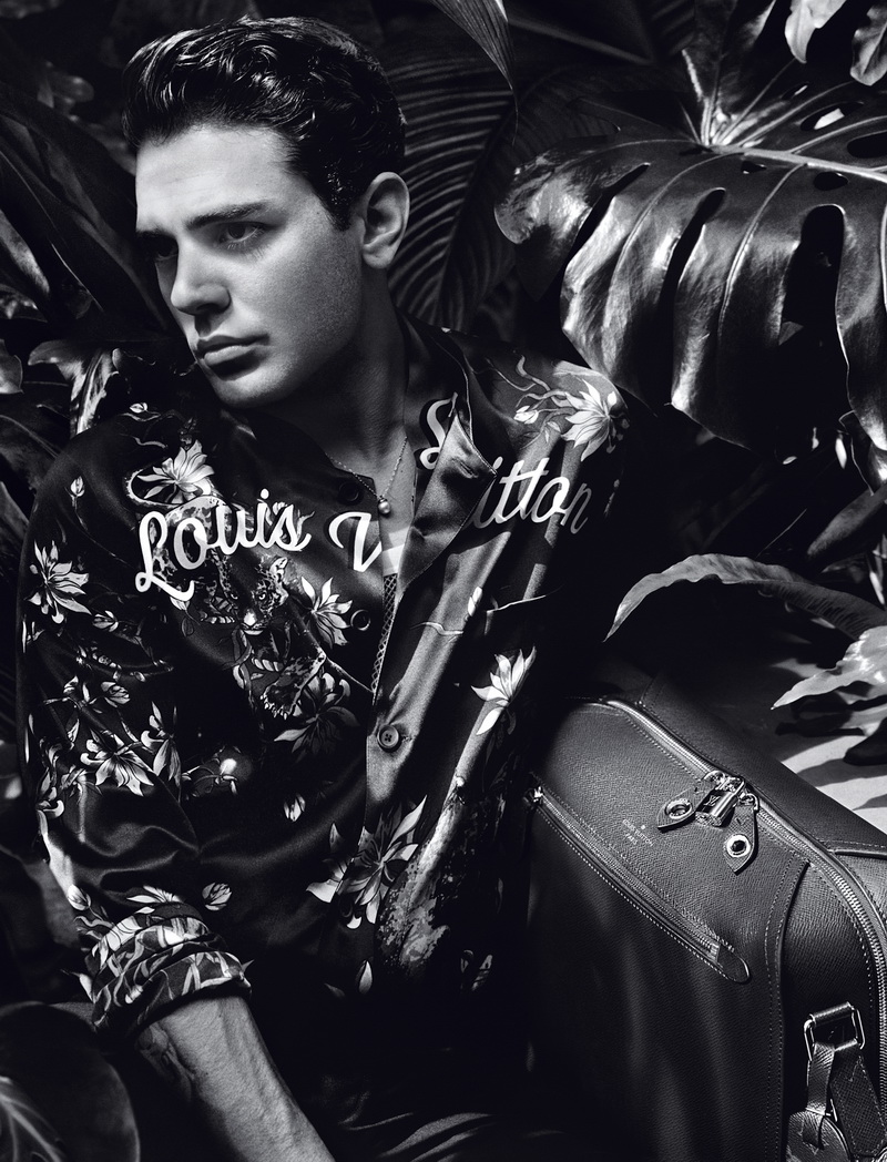 Louis Vuitton Men's SS16 New Ambassador © LOUIS VUITTON / Alasdair McLellan
