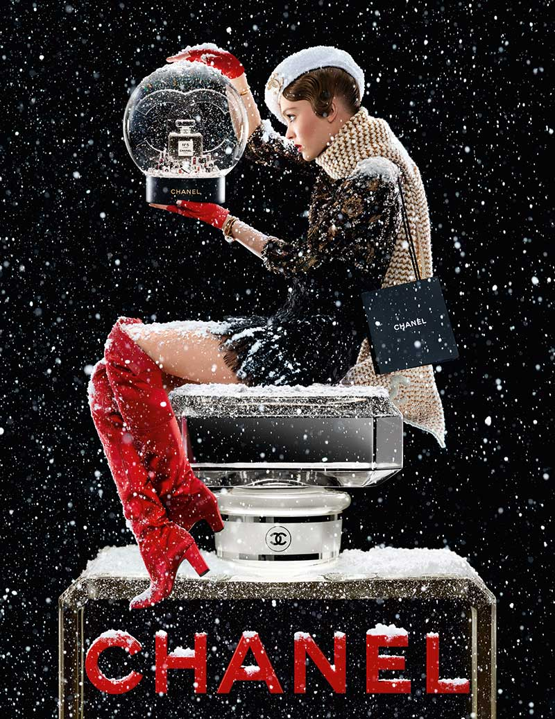 CHANEL N°5 Holiday 2019 Lily Rose Depp Ad Visual