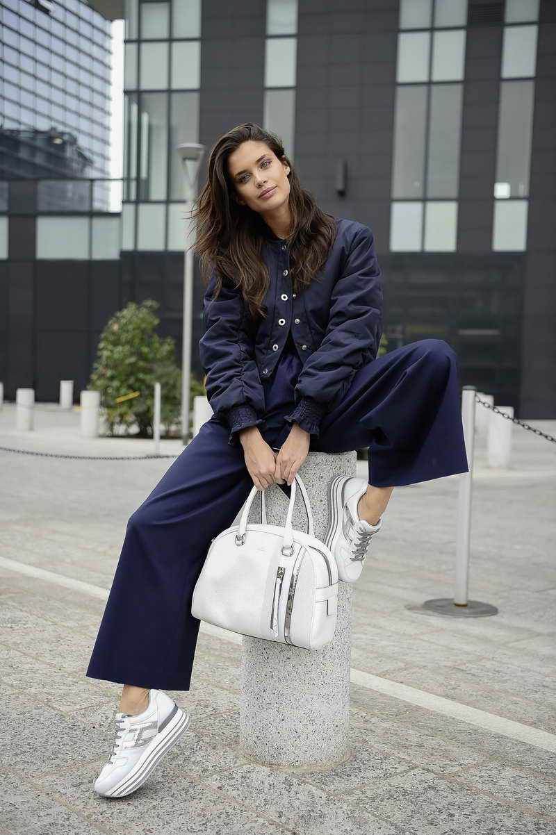 SARA SAMPAIO with Hogan maxiplatform H222 sneakers and bag