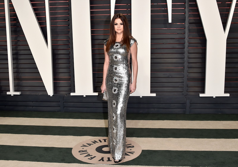 BEVERLY HILLS, CA - FEBRUARY 28:  Recording artist Selena Gomez attends the 2016 Vanity Fair Oscar Party hosted By Graydon Carter at Wallis Annenberg Center for the Performing Arts on February 28, 2016 in Beverly Hills, California.  (Photo by Alberto E. Rodriguez/WireImage)