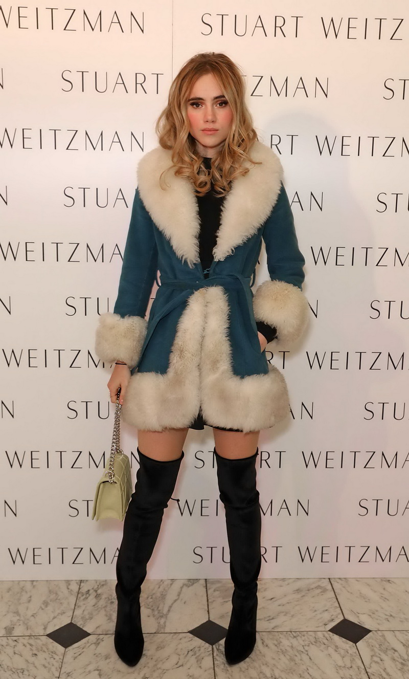 LONDON, ENGLAND - NOVEMBER 14:  Suki Waterhouse attends Stuart Weitzman's private VIP dinner at Royal Academy of Arts to celebrate opening of it's London flagship boutique on November 14, 2016 in London, England.  (Photo by David M. Benett/Dave Benett/Getty Images for Stuart Weitzman ) *** Local Caption *** Suki Waterhouse