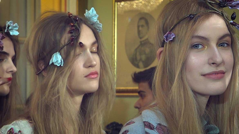 A golden glitter makeup for Luisa Beccaria, with Cynthia Rivas MAC Makeup Artist