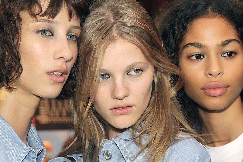 Make-up: eyeliner. Fashion Show: MSGM SS 2019. Make-up: Lauren Parsons for MAC. Photo: Charlotte Mesman