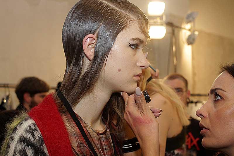 Fashion Show: N21 FW 2018 2019, make-up: Tom Pecheux for M.A.C., ph. Mauro Pilotto