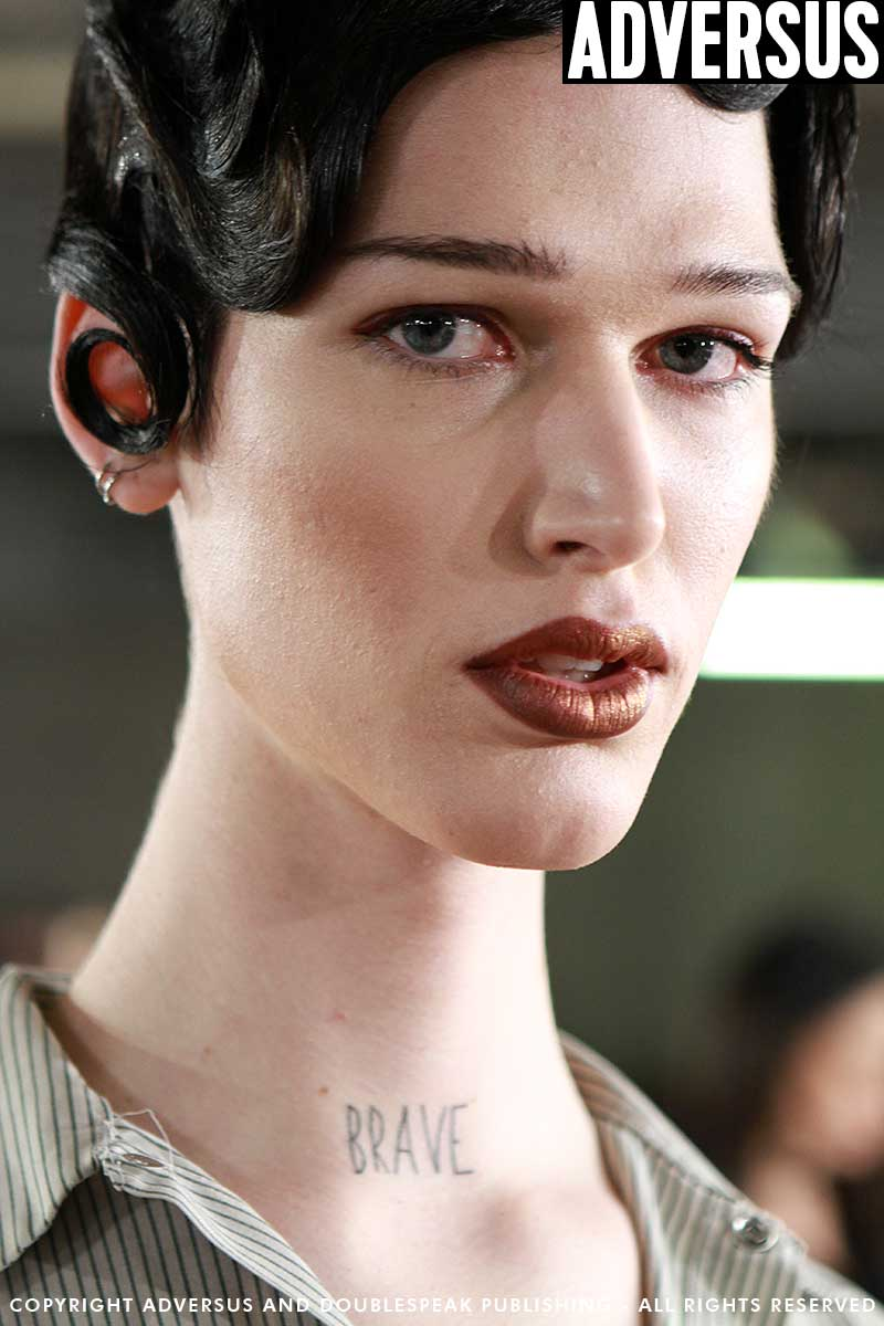 Sexy and strong makeup looks (for men and for women) with Kabuki for the Moschino Show Photo Mauro Pilotto