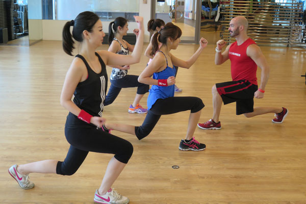HIIT (High Intensity Interval Training) PLYOMETRIC LUNGES