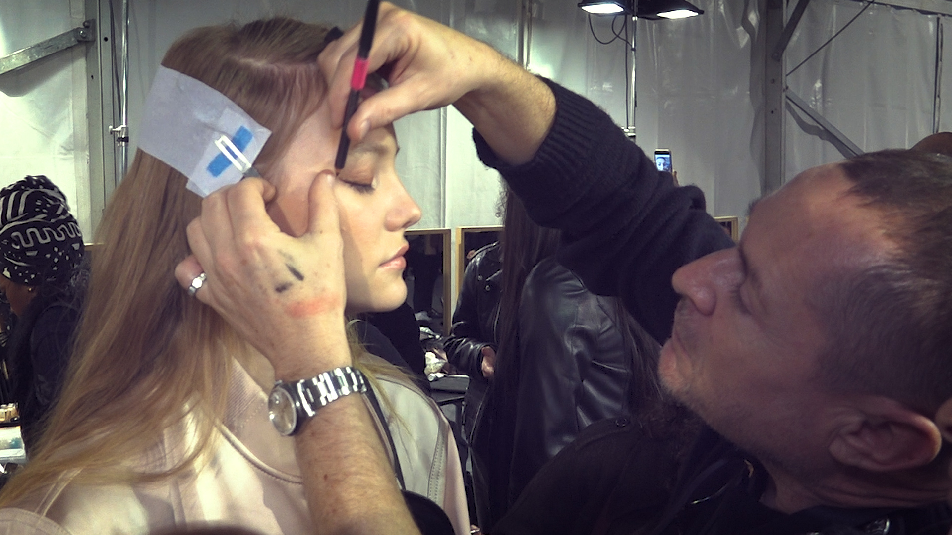 Tom Pecheux. A natural makeup for N21